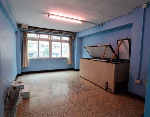 foto de Local comercial en alquiler en A Coruña  5
