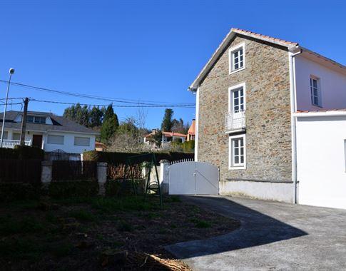 foto de Casa en venta en Bergondo  4