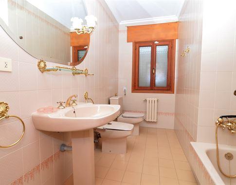 foto de Casa en venta en Bergondo  18